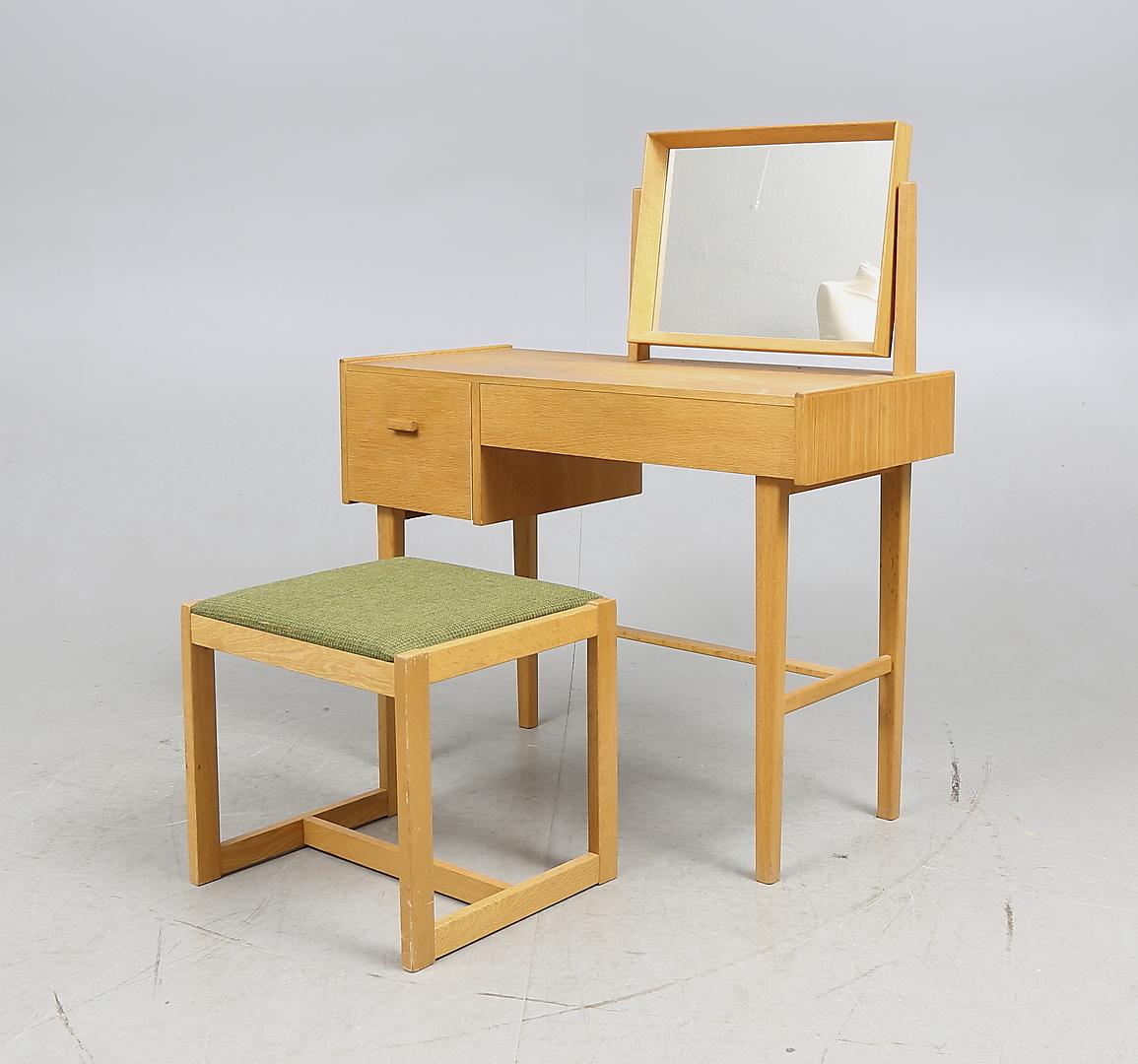 Bilder För 236394 Sminkbord Med Pall, 1900 Talets Andra Hälft Auctionet