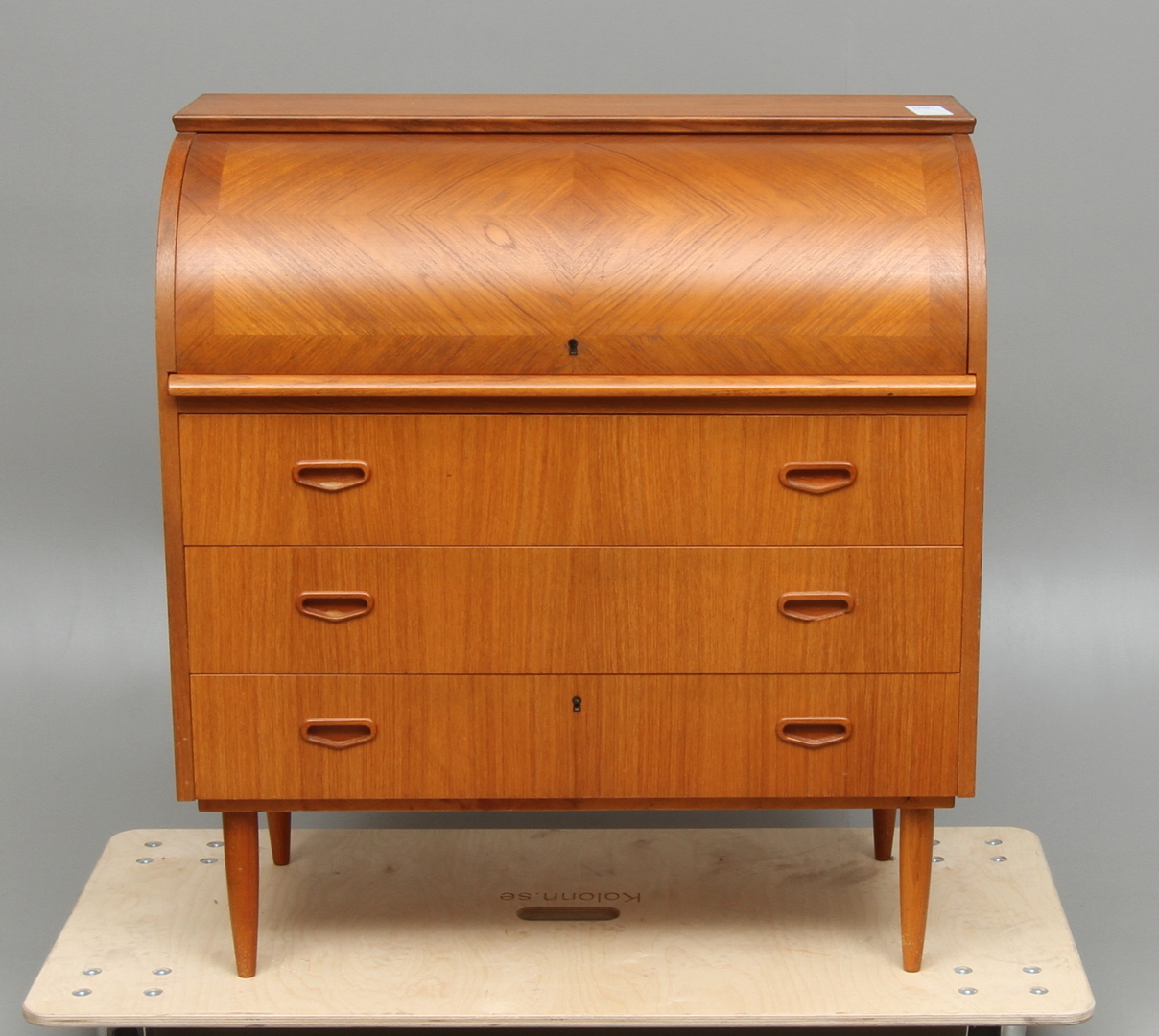 bilder f r 23981 sekret r teak 1900 talets mitt. Black Bedroom Furniture Sets. Home Design Ideas