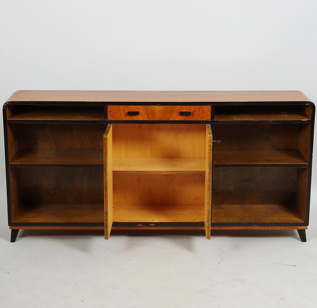 Bilder för 308192 BOKHYLLA, mahogny med svärtade detaljer, Art Deco Auctionet