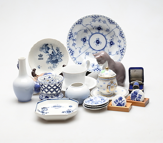 PORSLIN, bland annat Royal Copenhagen  Ceramics & Porcelain