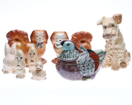 PARTI KERAMIK, 8 delar, bl.a. figuriner. 1900-tal.