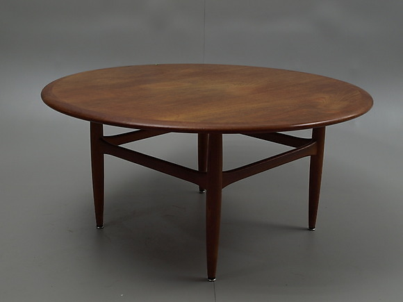 Tables at Limhamns Auktionsbyr̴ РAuctionet