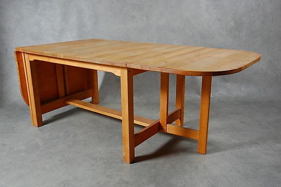 """SLAGBORD,"""" Björka"""" design, Nils Göran Gustafsson, för Stolab, 1982 Möbler Bord Auctionet"""