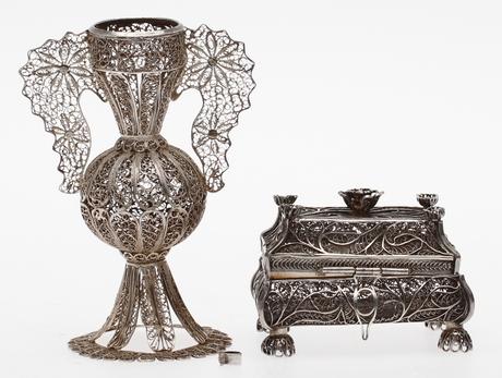 FILIGRANARBETEN, 2 st, SKRIN, I. Avdyeyev, Moskva 1861, Ryssland. Samt VAS med hänklar, vikt ca 137,5 gram.