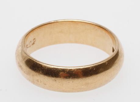RING, 18k guld, vikt ca 13,7 gr, stl 27.
