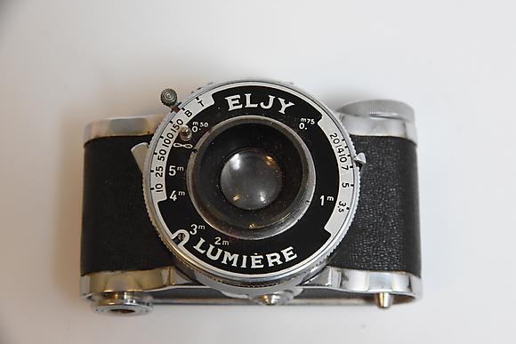 Photo cameras & lenses at auktionsverket engelholm auctionet