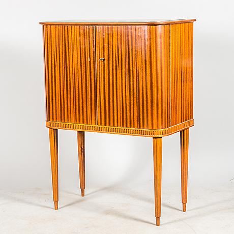 barsk p mahogny med glasskiva 1960 tal m bel schr nke. Black Bedroom Furniture Sets. Home Design Ideas
