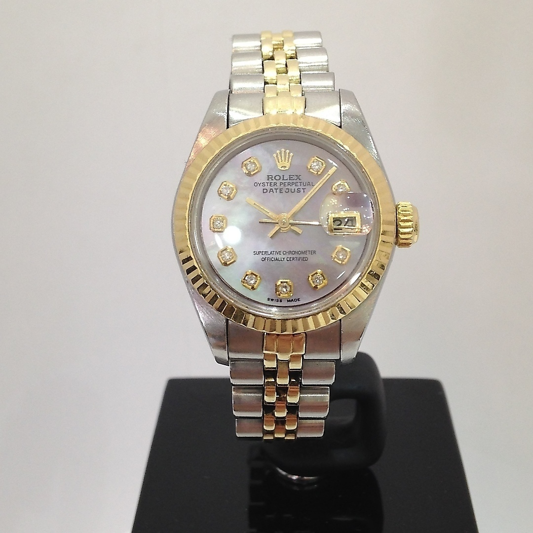9066e87afb5 ROLEX OYSTER PERPETUAL DATEJUST WRISTWATCH. Clocks & Watches - Wristwatches  - Auctionet
