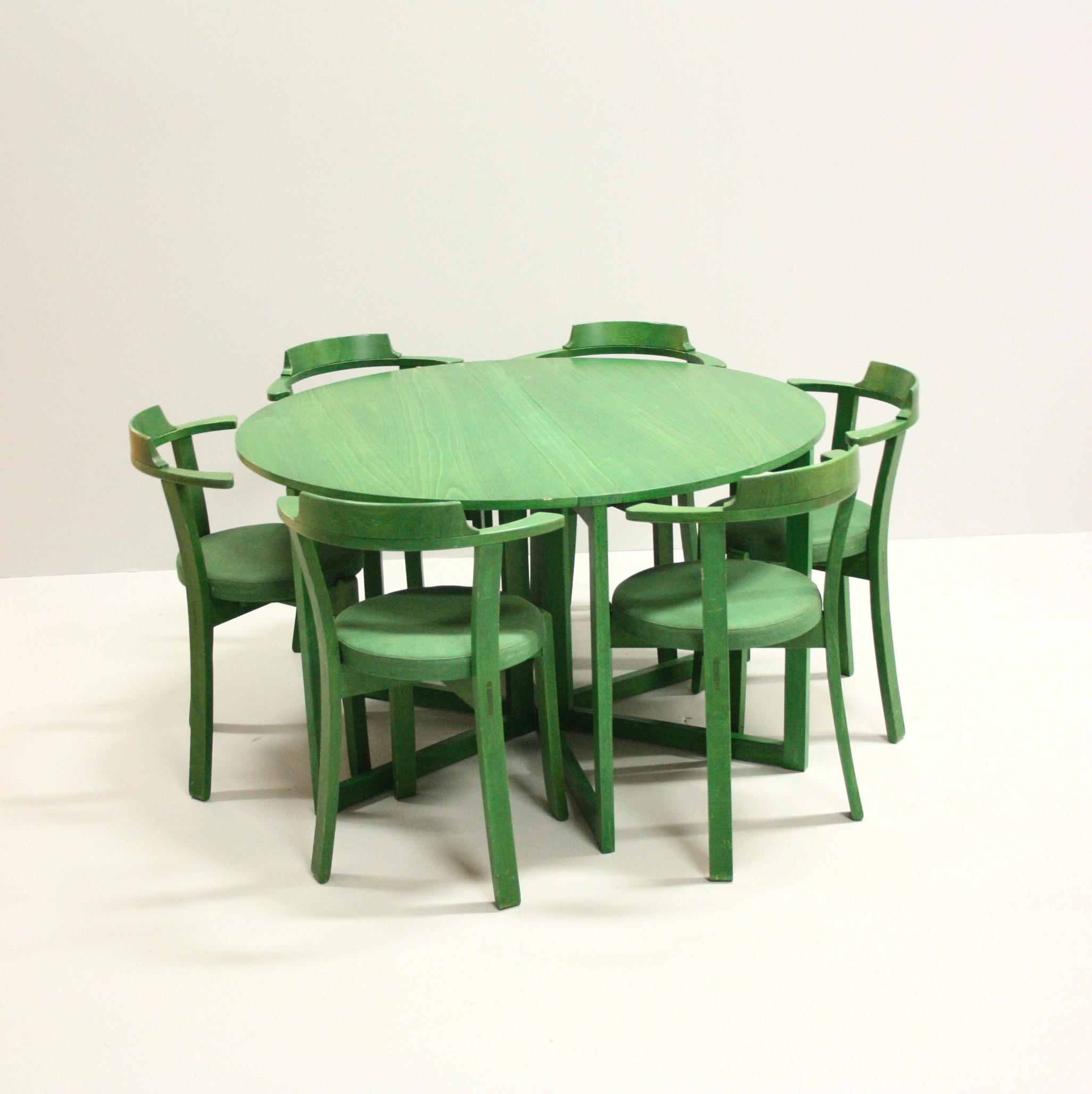 STURE ENG. TABLE WITH CHAIRS,