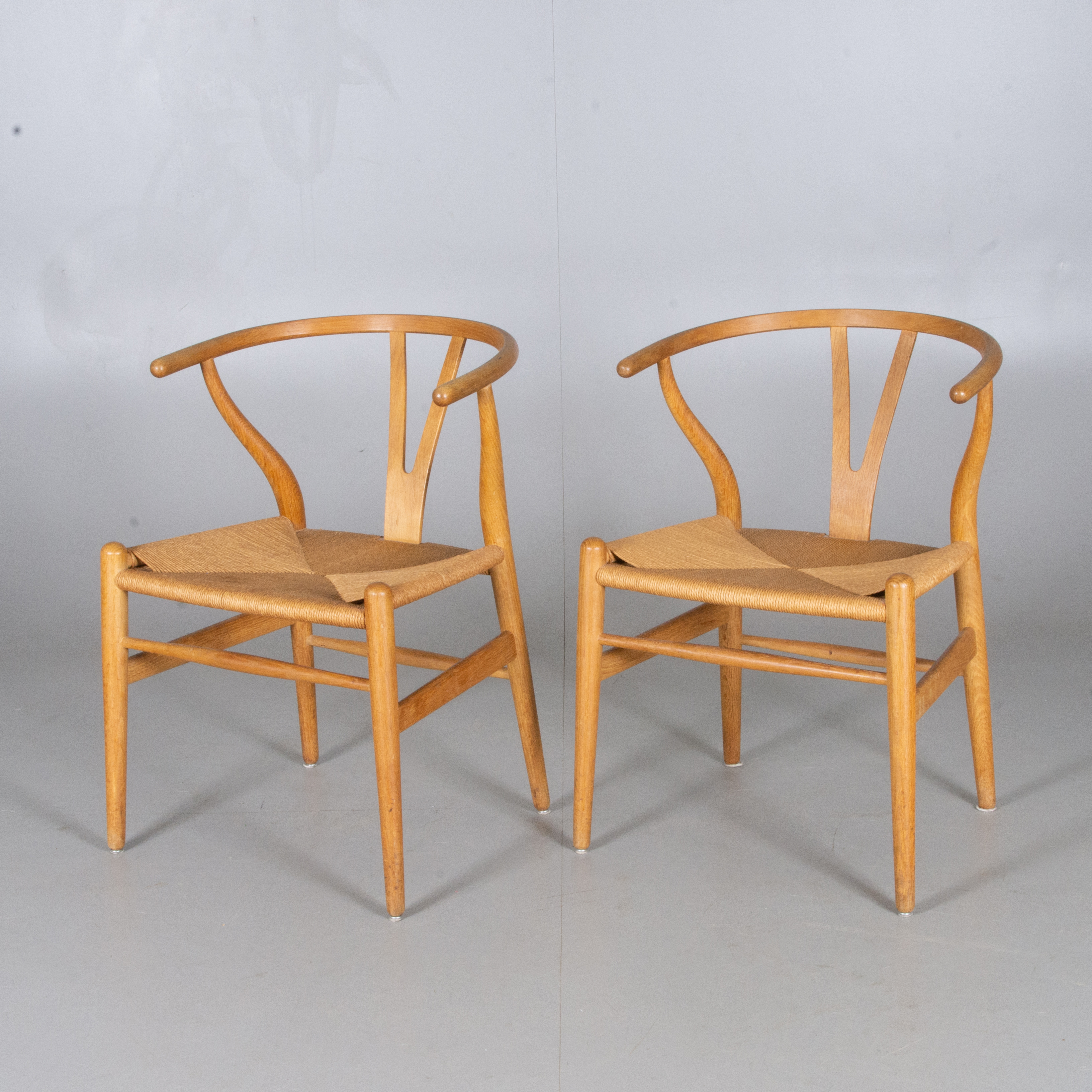 Hans J Wegner Chairs 1 Pair Oak With Lace Seat Carl Hansen Son