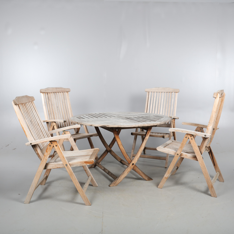 TRÄDGÅRDSGRUPP, Bord och 4 stolar Jutlandia. Möbler