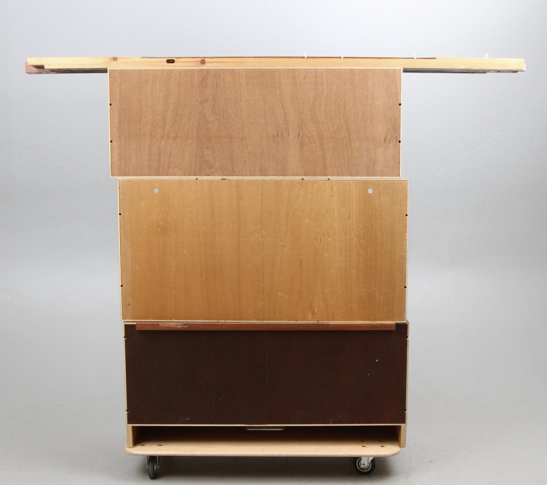 Bilder zu 125620 BOKHYLLA, Jakaranda, 1950 60 tal Auctionet