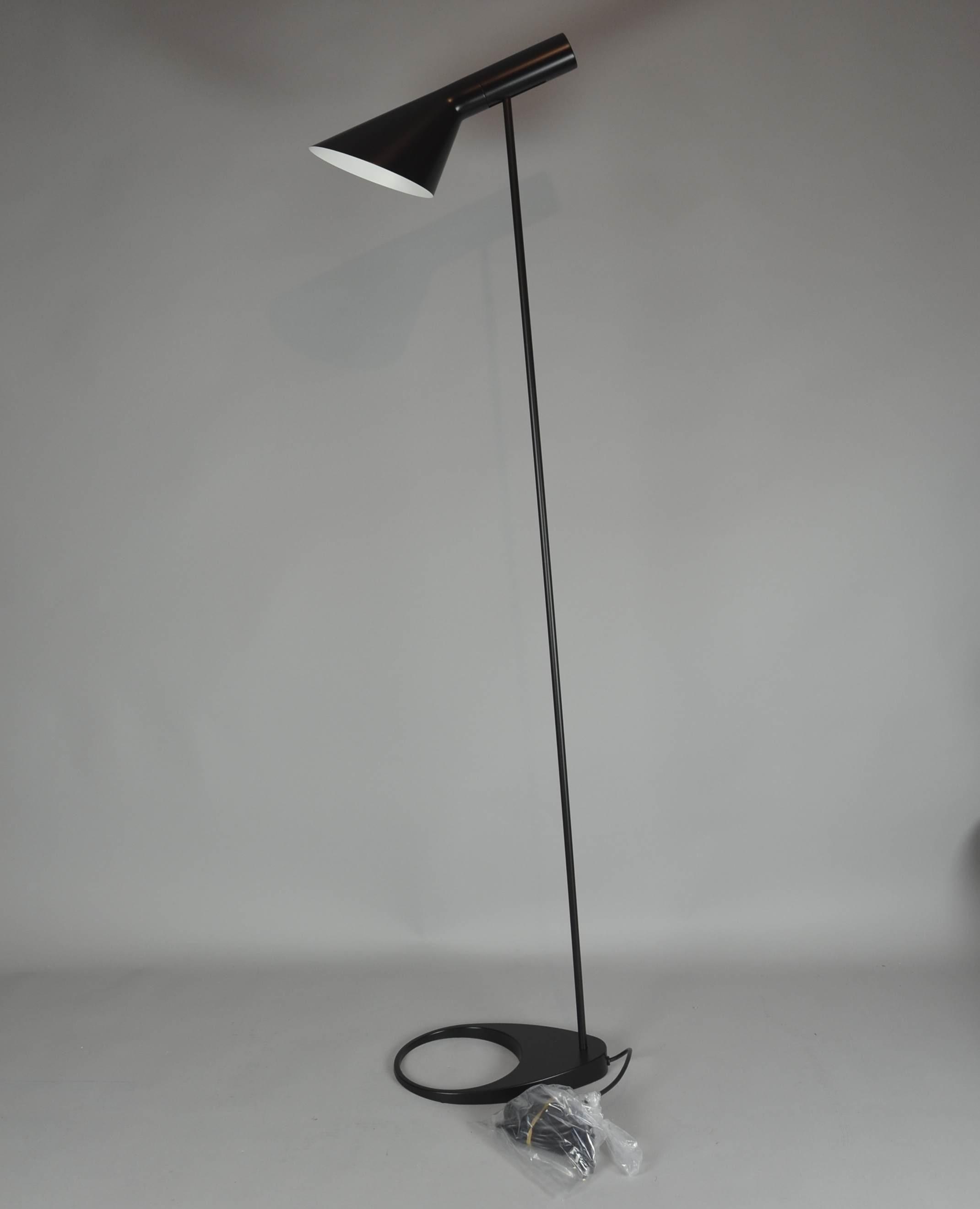 Arne Jacobsen Stehlampe Fur Louis Poulsen Lighting Lamps