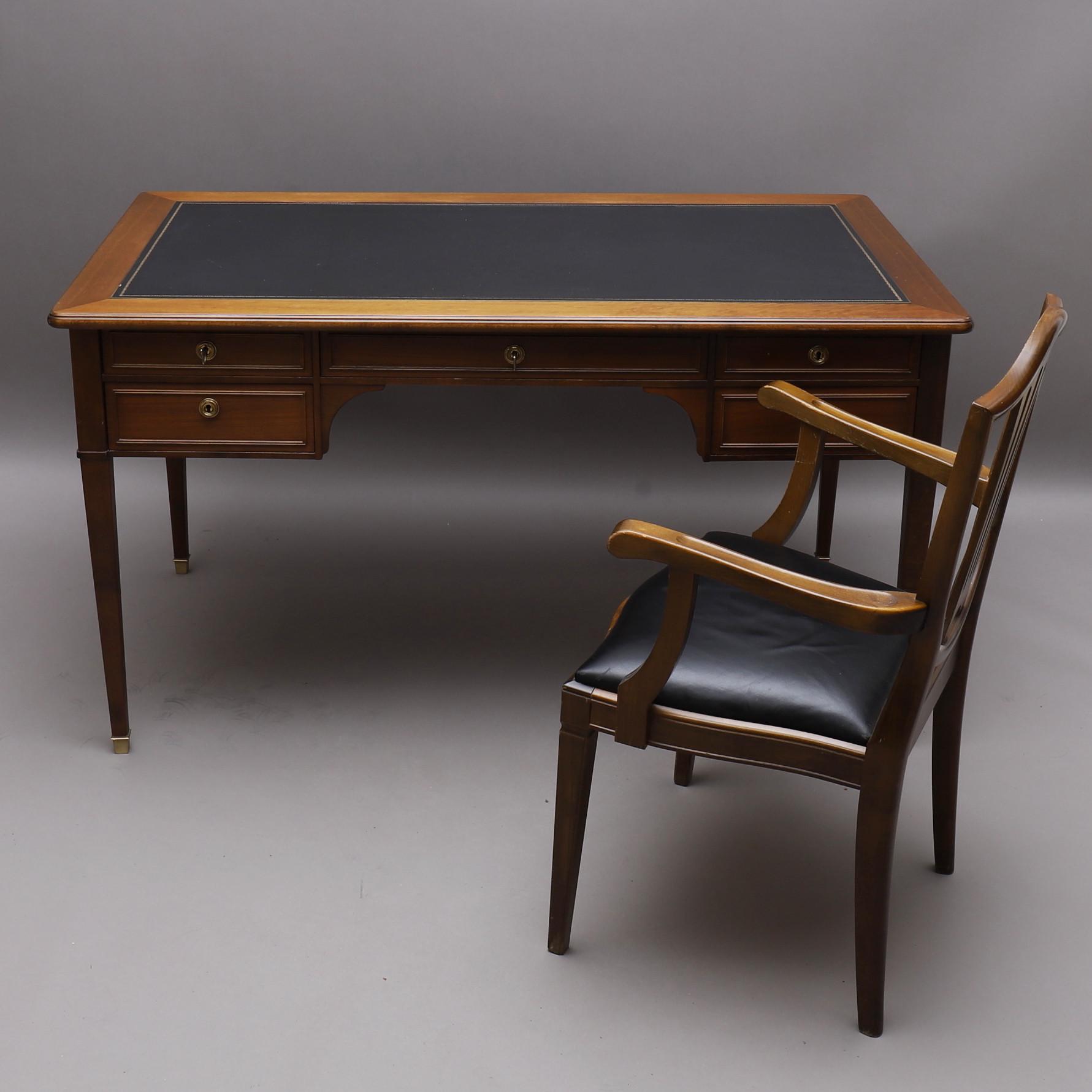 gustavianskt skrivbord med stol