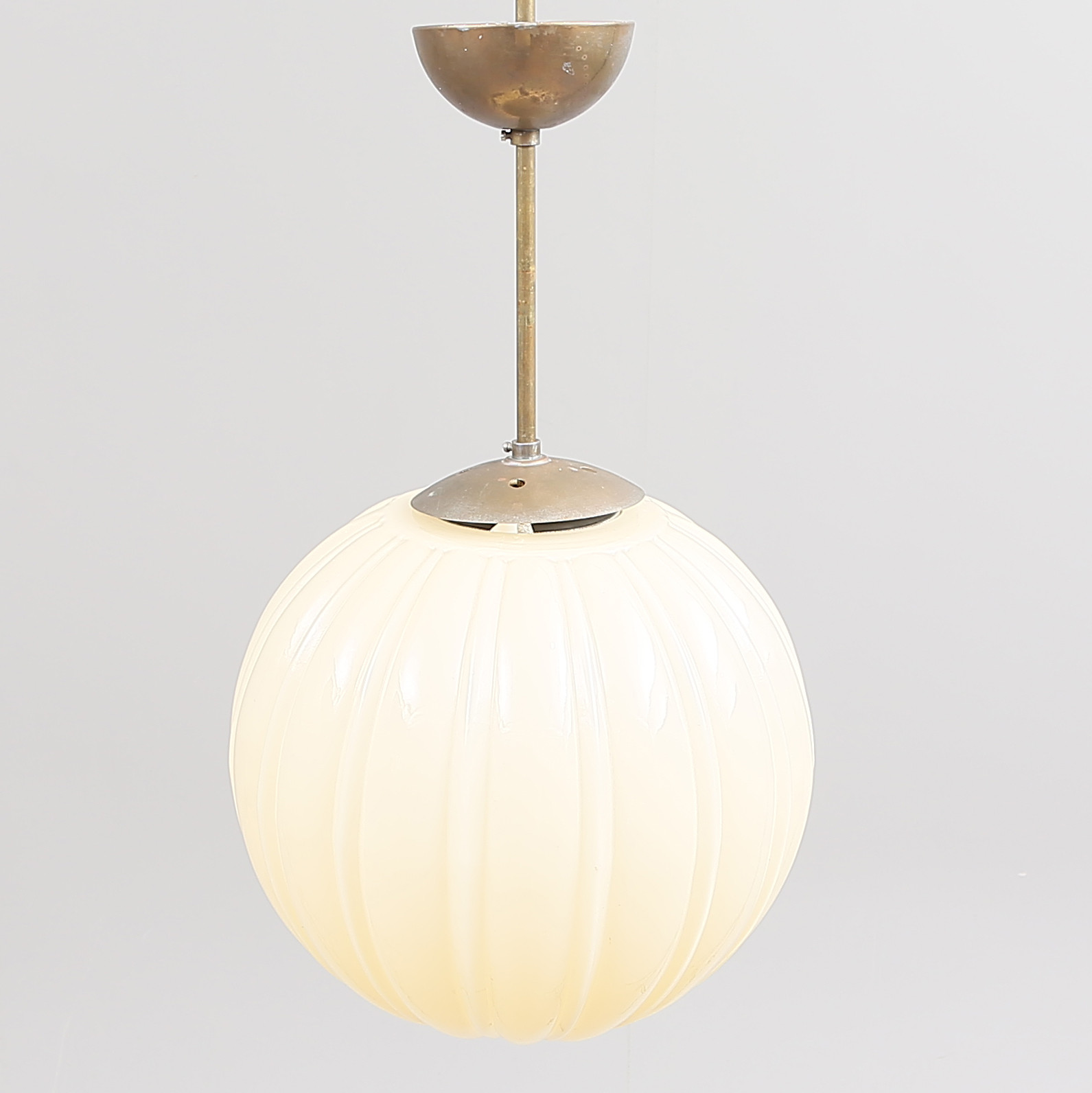 Ceiling Lamp Globe Lamp Brass Glass Ca 1940 1950s Lighting Lamps Ceiling Lights Auctionet