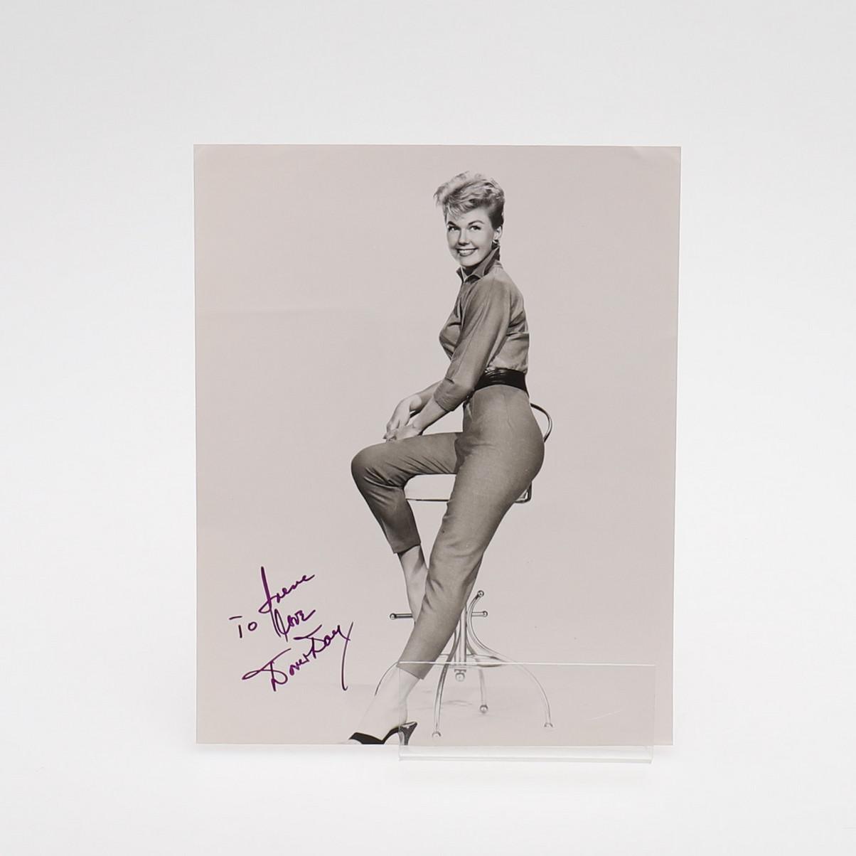 AK6 1922–2019  ✟ Autogrammfotokarte laminiert Doris Day