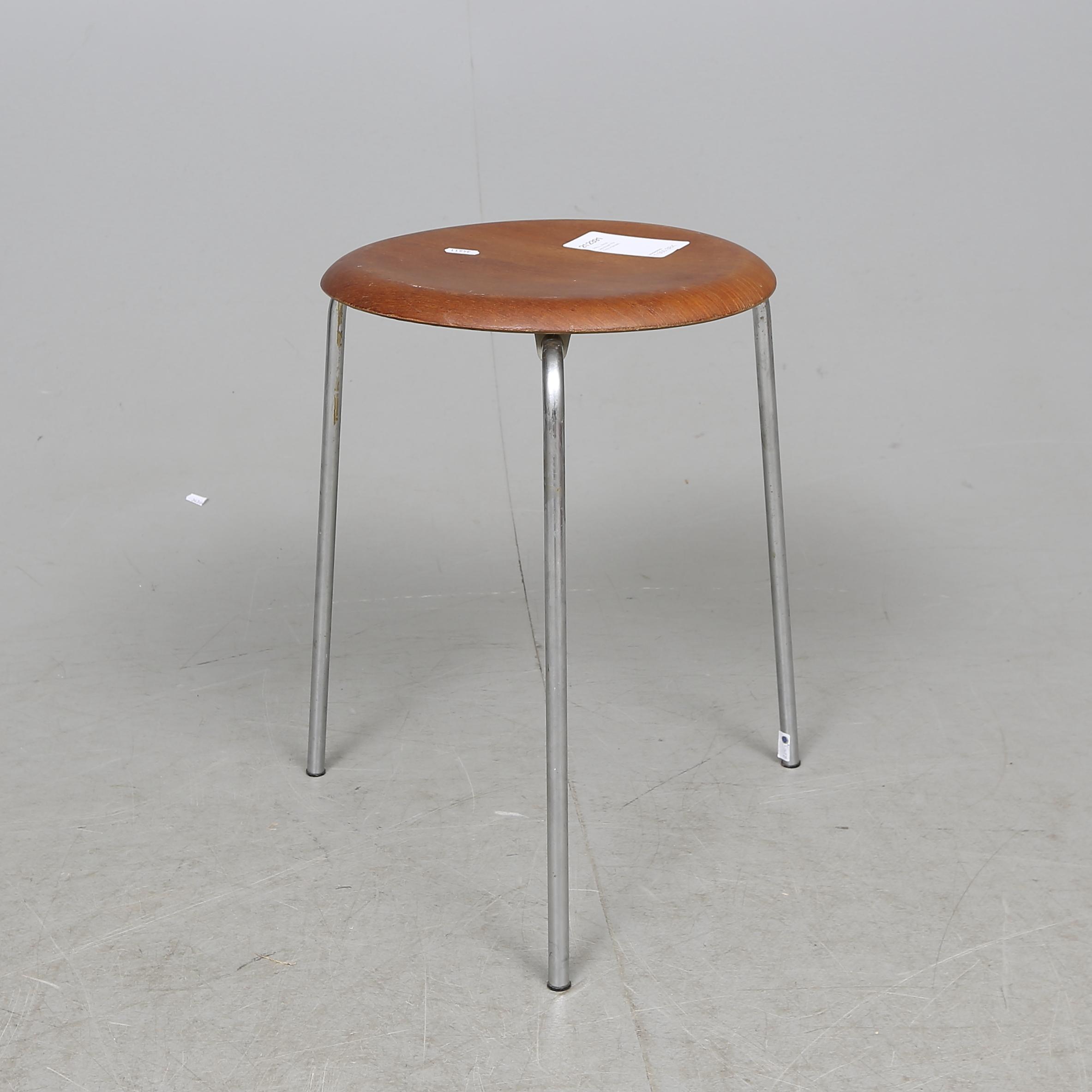 Pall Arne Jacobsen För Fritz Hansen Furniture Armchairs Chairs