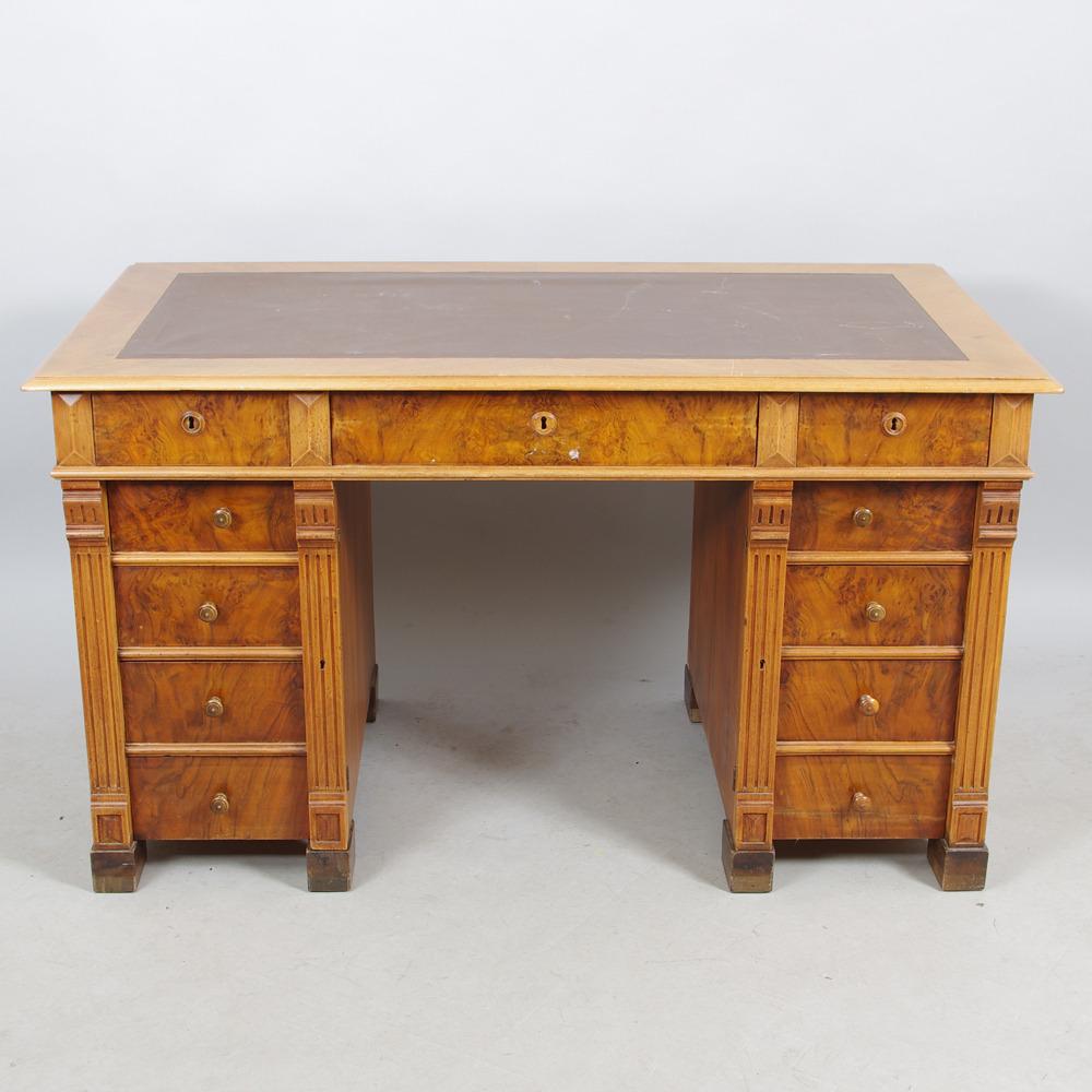 SKRIVBORD, mahogny, rotfaner, nyrenässans. Möbler Bord