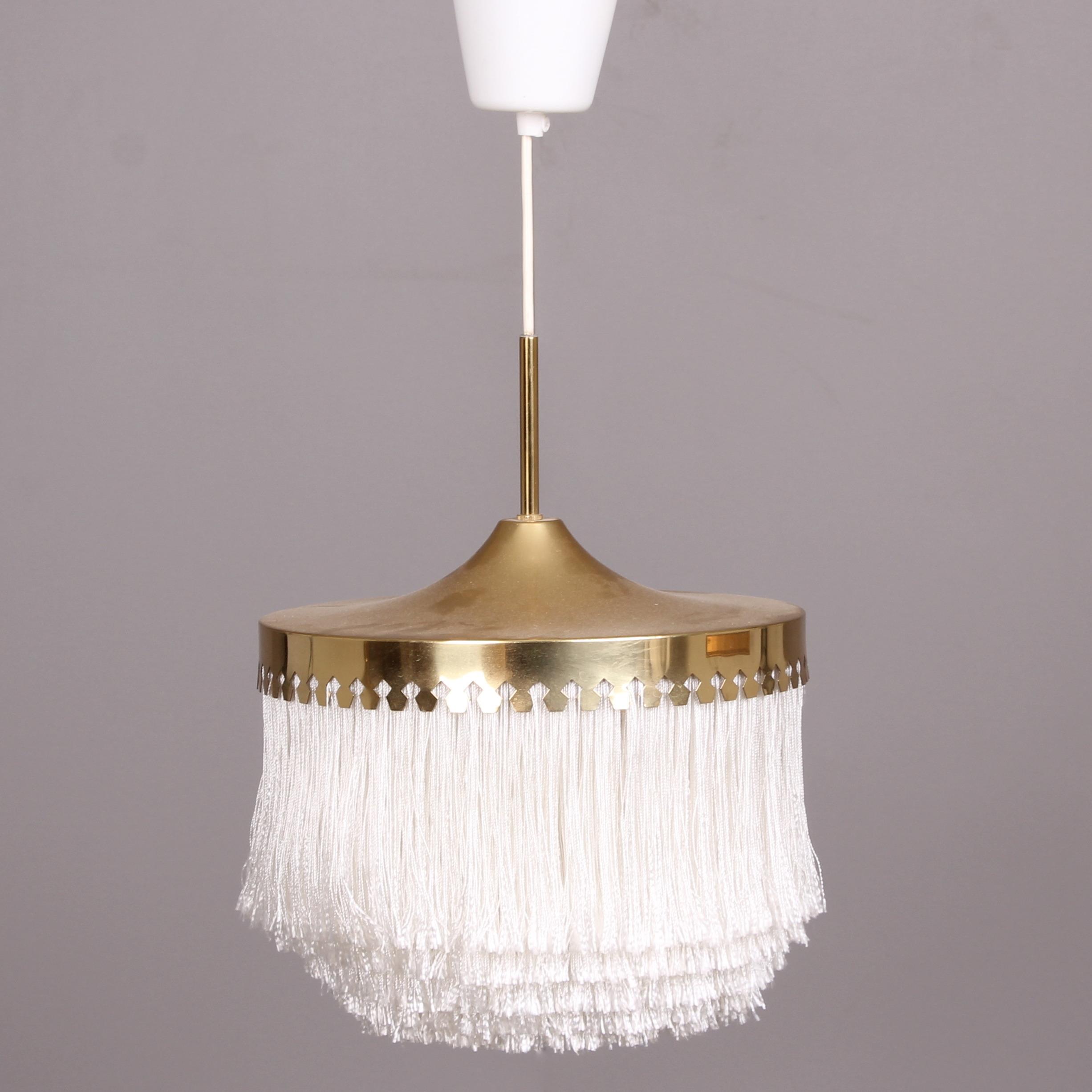 lampa med fransar