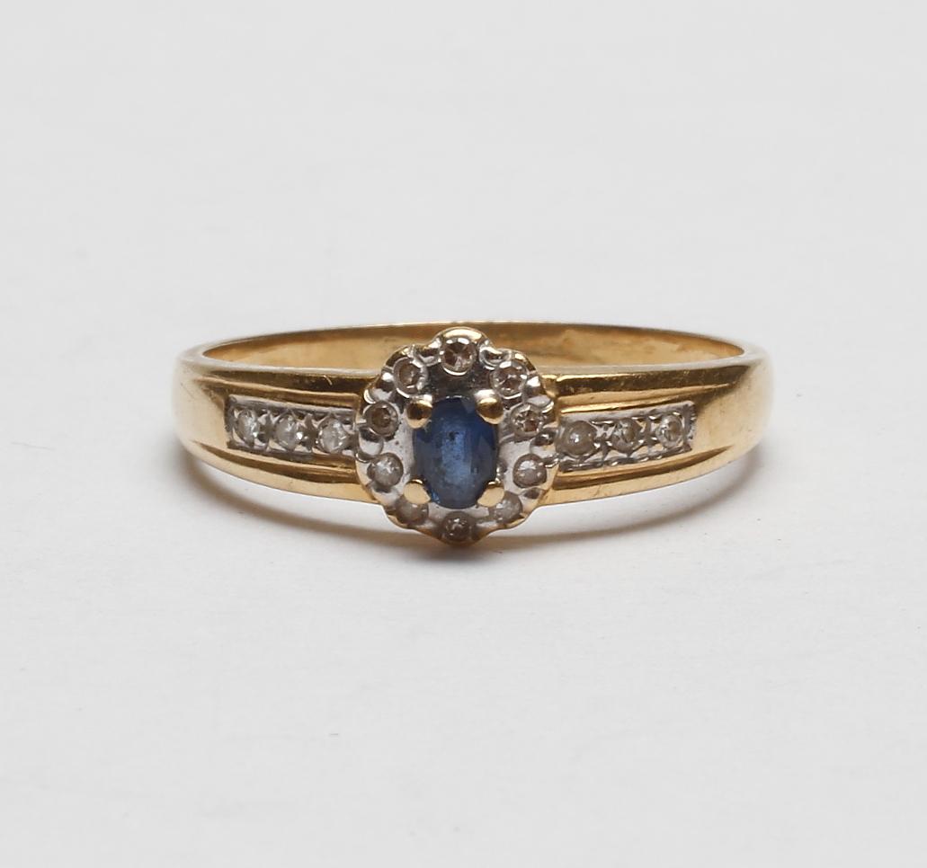 ring med små diamanter