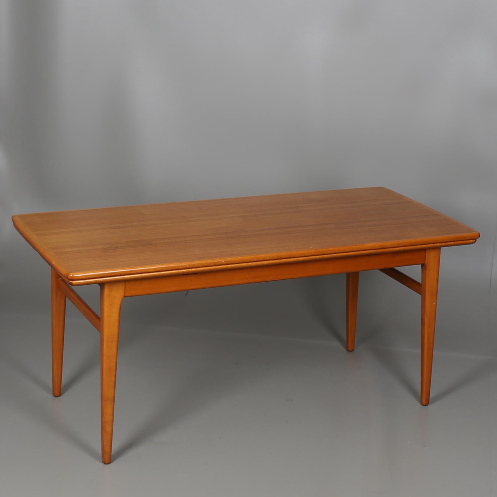Bilder för 303549 SOFFBORD i teak, höj och sänkbart, 1900 talets mitt Auctionet