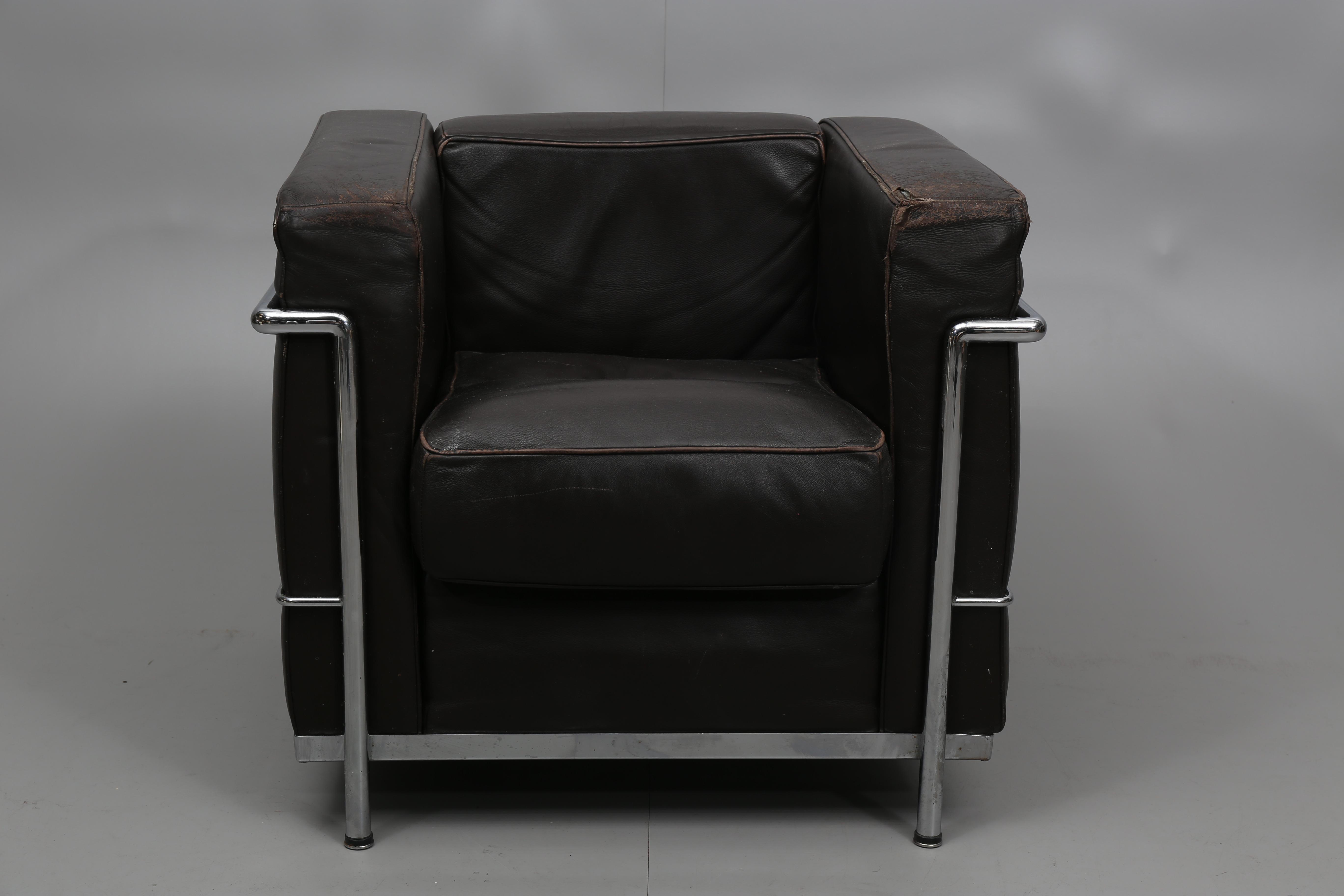 Bilder för 318538 FåTÖLJ Efter Le Corbusier, kopia, stålrör och brunt skinn, 1900 talets andra