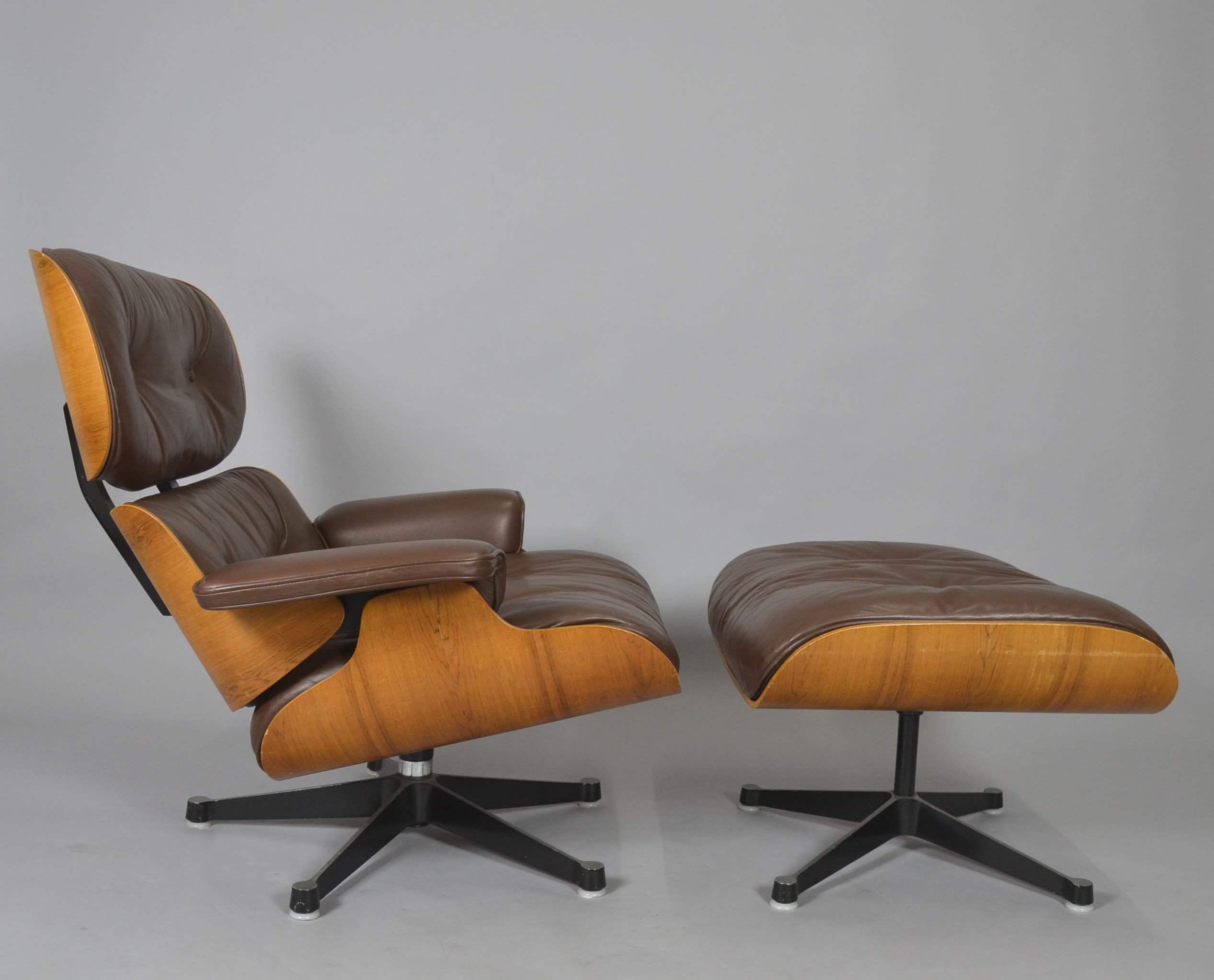 CHARLES EAMES. LOUNGE CHAIR MIT OTTOMANE FÜR VITRA. Furniture   Armchairs U0026  Chairs   Auctionet
