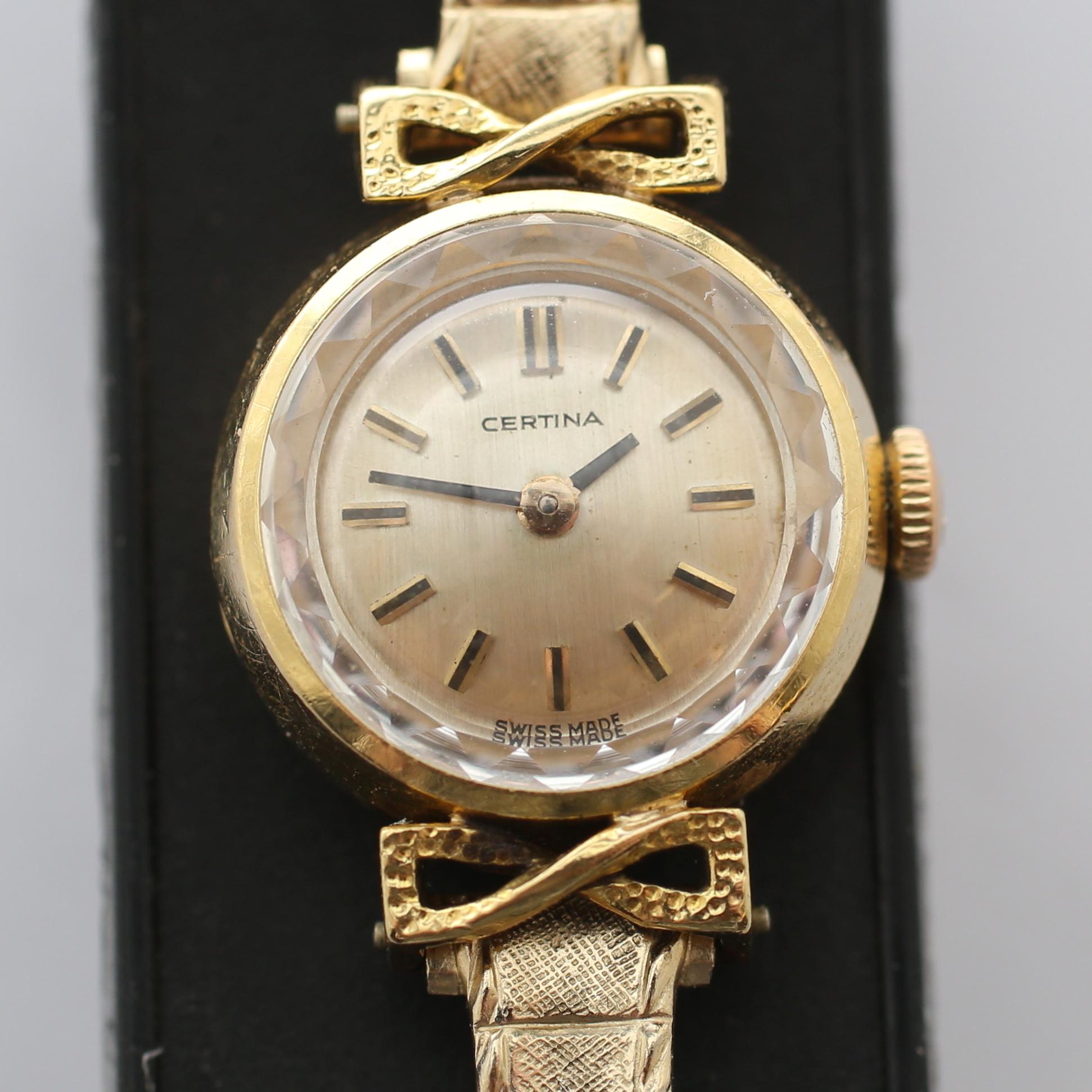 Wristwatches Wristwatches GoldClocksamp; GoldClocksamp; Auctionet DamenuhrCertina18k Watches Auctionet DamenuhrCertina18k DamenuhrCertina18k Watches GoldClocksamp; L34j5RqA