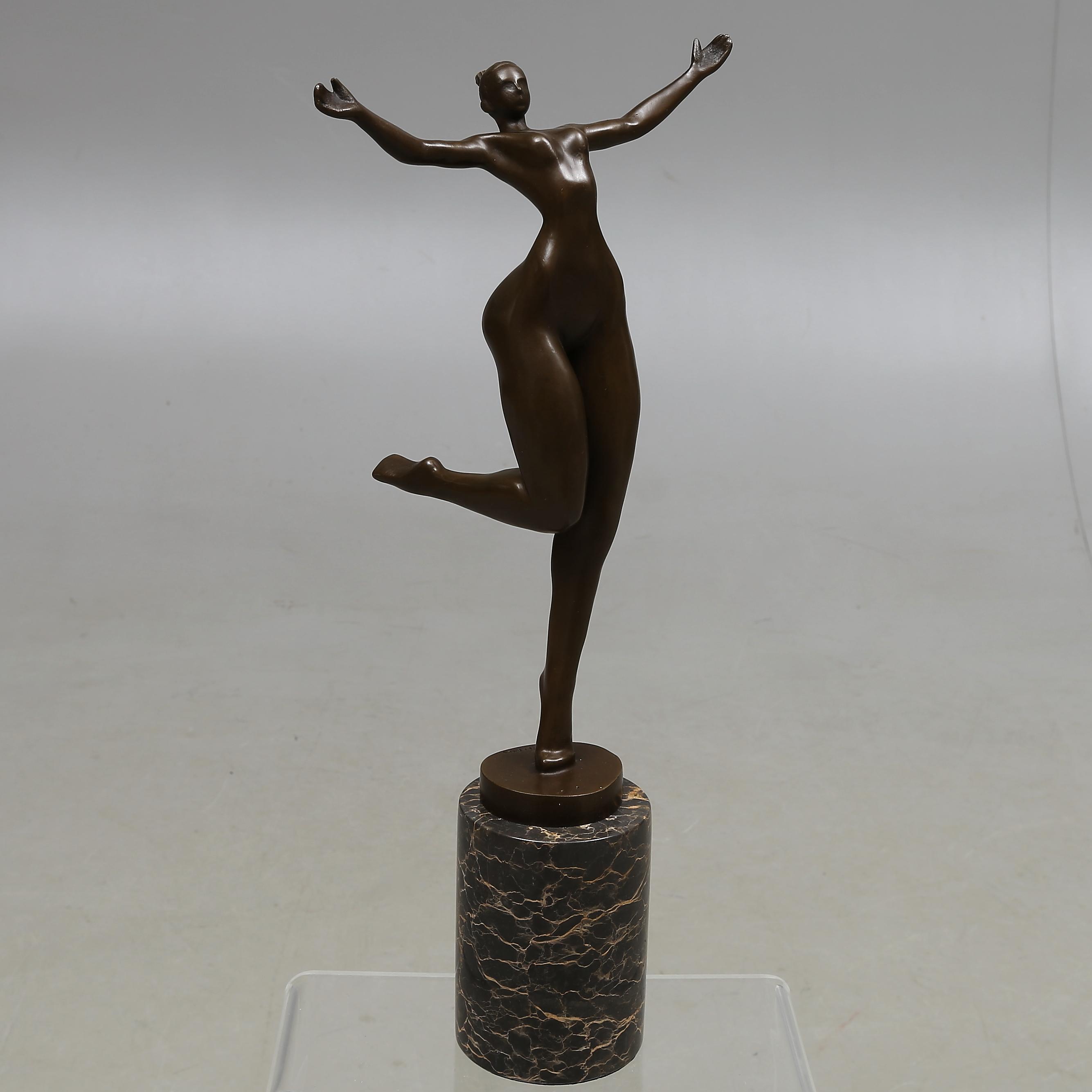 bilder f r 614565 skulptur brons modern tillverkning. Black Bedroom Furniture Sets. Home Design Ideas