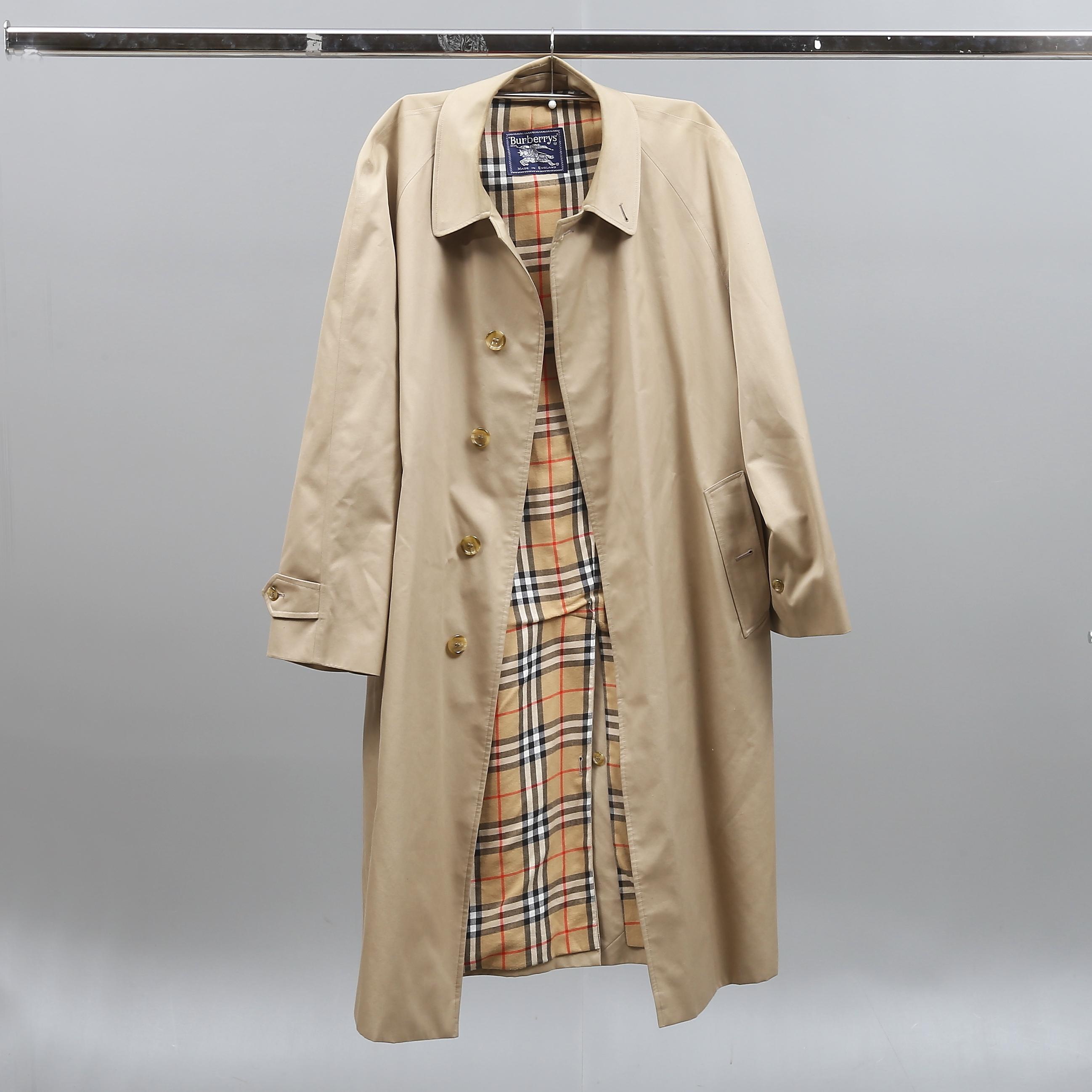 Beige Coat  Burberry  Rockar