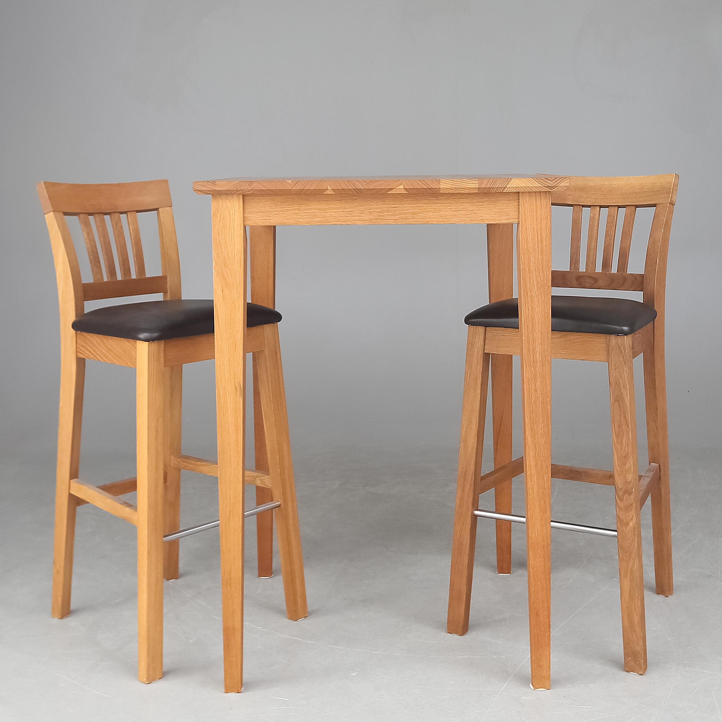 barbord med stolar