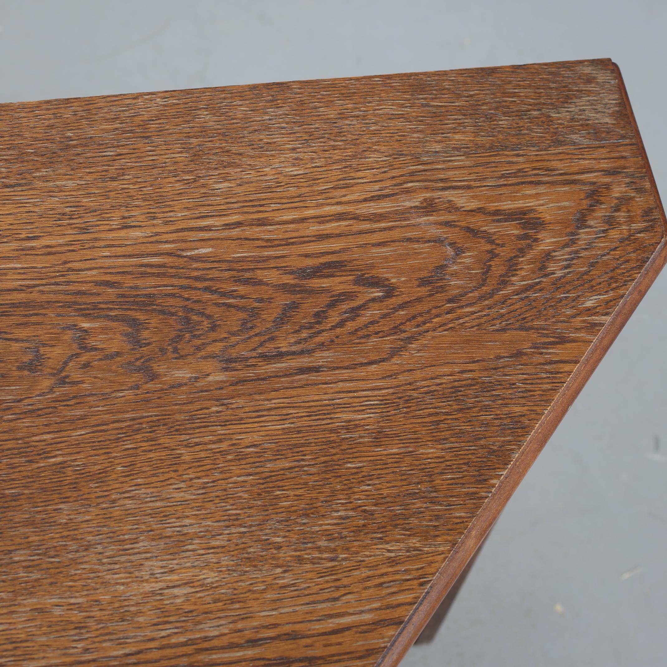 """bilder för 843064. bokhylla, """"carpati"""". - auctionet"""