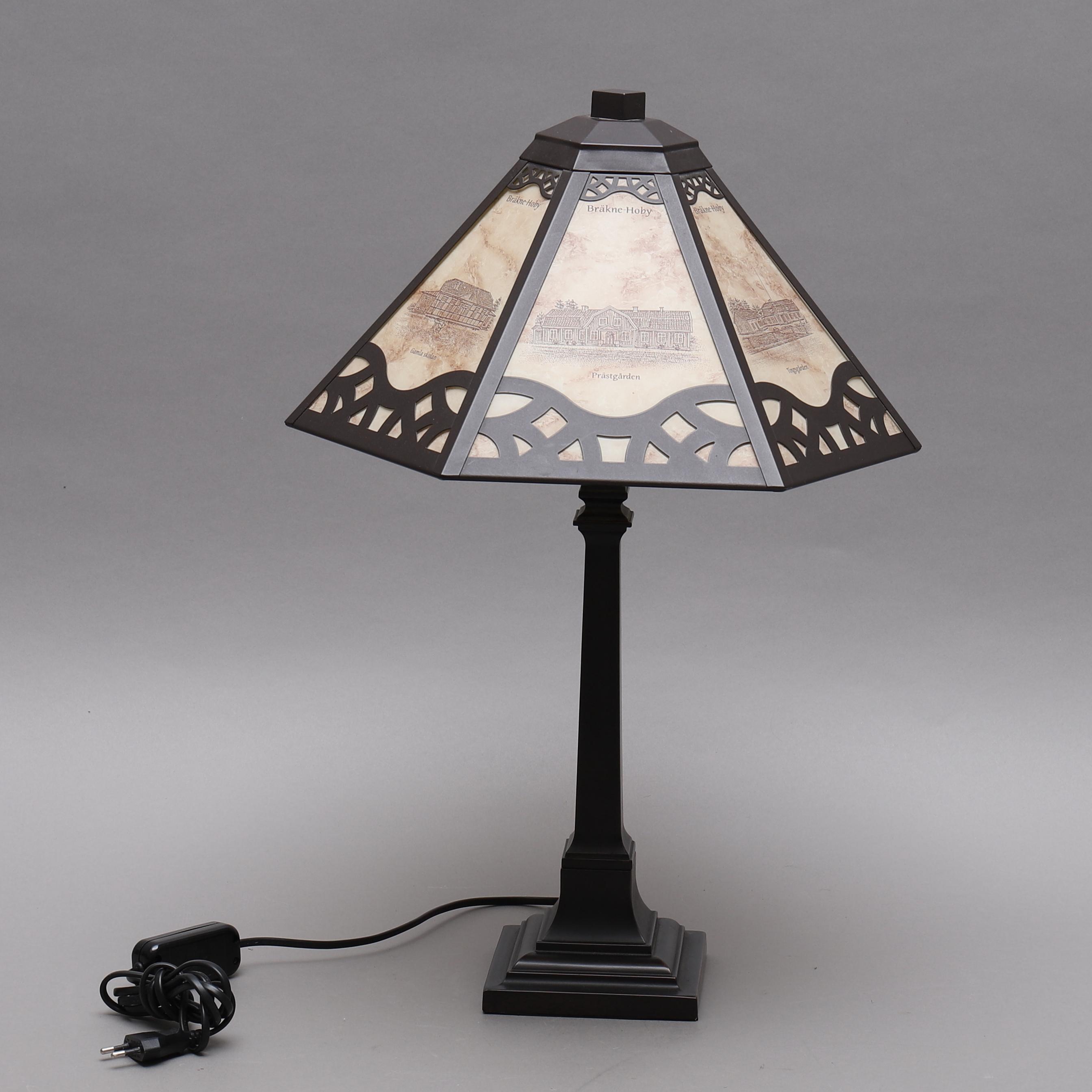 Bordslampa Metall Och Glas Bräkne Hoby Motiv Lighting